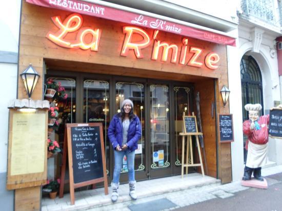 Haute-Savoie, Francia: Happy with a tummy filled with the finest fillets de perche du Lac Léman