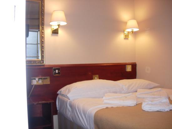 Hyde Park Court Hotel: Double En-Suite