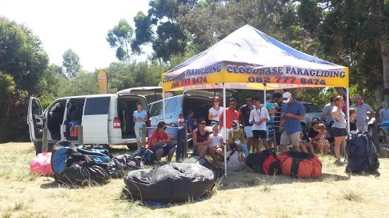 Cloudbase Paragliding: The Cloudbase Team at Sedgefield. on the day I decided to do a tandem.
