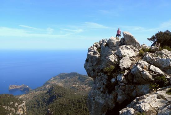 Camino del Archiduque: etwas Nervenkitzel, mit grandioser Aussicht auf Deia.