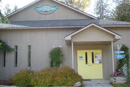 Flesherton, Canadá: South Grey Museum tells stories of local history in South Grey.