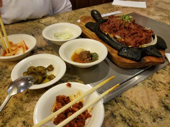 Seoul Garden Restaurant: This place was delicious, we got the BBQ pork, flavor was great, was super spicy, comes that way
