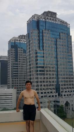 ditepi kolam renang takes mansion picture of takes mansion hotel rh en tripadvisor com hk