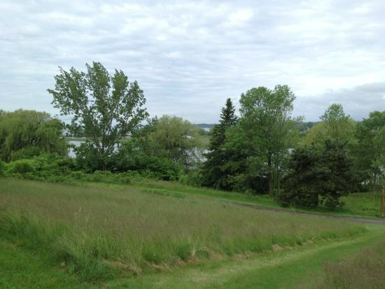 Waterfront Trail: Part of the Pickering trail