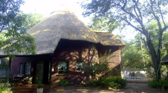 Mosi Ua Tunya Lodge