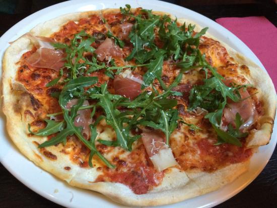 Riverbank Bar and Restaurant: pizza jambon cru roquette