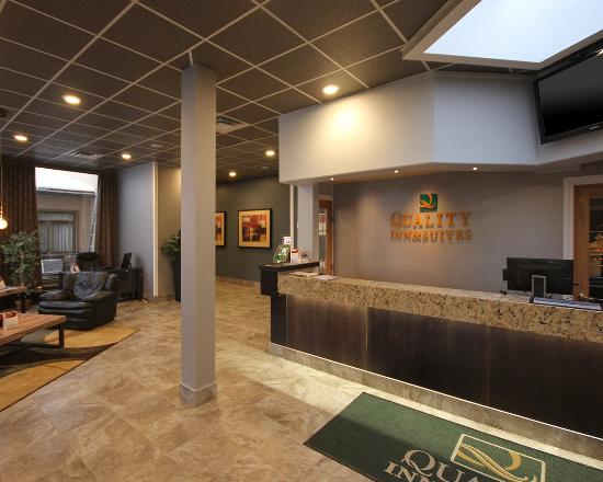High Level, Kanada: Lobby