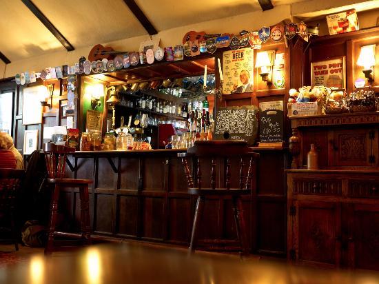 Ringmore, UK: The Bar