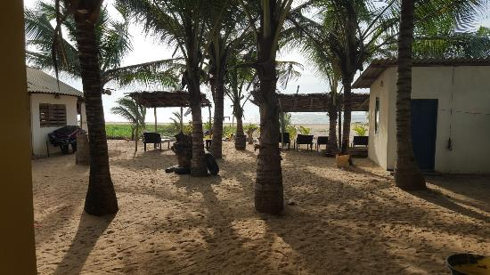 Happy Beach Inn