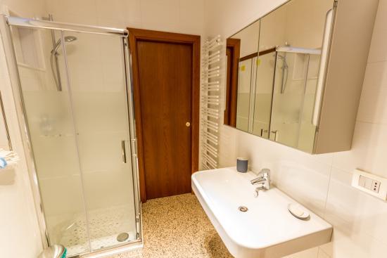 Bagno Esterno Privato : Bagno privato esterno con doccia foto di b b buon vento matera