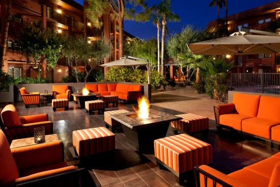 Restaurants Near Holiday Inn North Phoenix