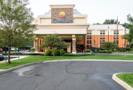 Comfort Inn and Suites : Exterior