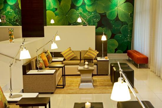 Courtyard Panama at Metromall Mall: Lounge