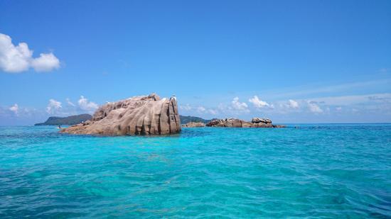 Praslin Island, Seychelles: небольшие островки