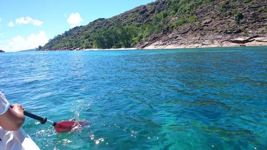 Praslin Island, Seychelles: пляж Анн Матло