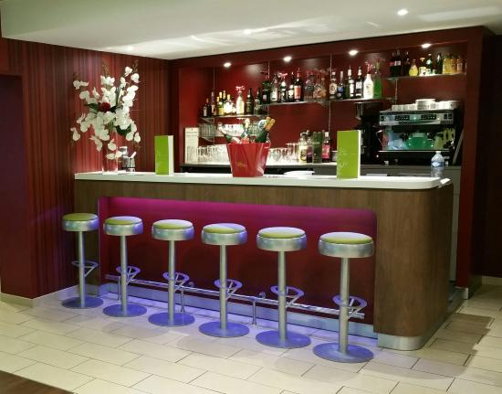 Campanile Reims Centre - Cathedrale: Bar