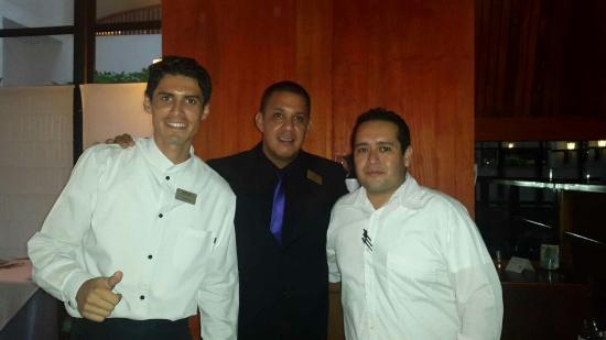 Melia Puerto Vallarta All Inclusive: Pedro Sagahon Jonathan Jiménez y Franklin Cisneros! Excelentes empleados, FELICIDADES