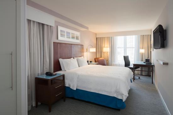 Hampton Inn Manhattan-Seaport-Financial District: One King Bed