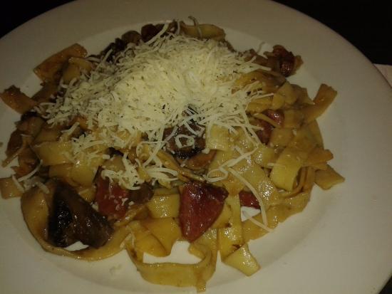 Restaurante Kikiriki : Tallarines con jamón y bolet