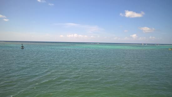 Bwa Chik Hotel & Golf: plage proche de la marina
