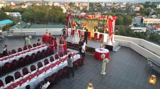 Aryaduta manado wedding bands