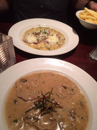 Vito's Italian Restaurant: Veal Saltimbocca and Veal Funghi