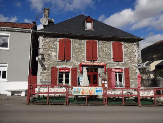 """Restaurant-Bar-Gîte """"L'Embaradère"""", Laruns (Pyrénées-Atlantiques, Aquitaine-Limousin-Poito), Fra"""