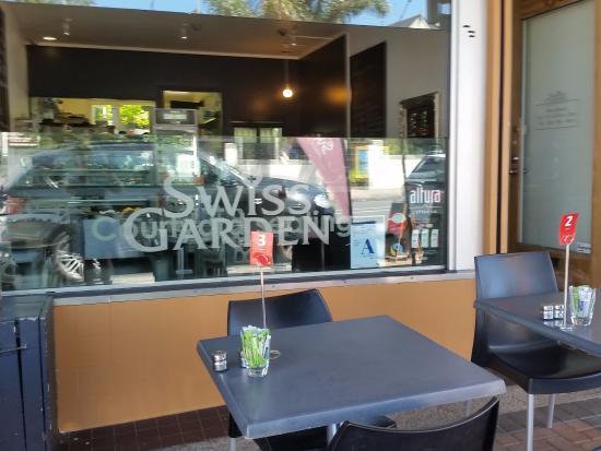 The Plumm: Swiss Garden Cafe street side