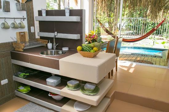 Espadilla Ocean Club: Earth Villa kitchen