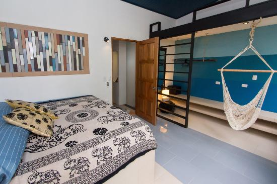 Espadilla Ocean Club: Water Villa Master Bedroom