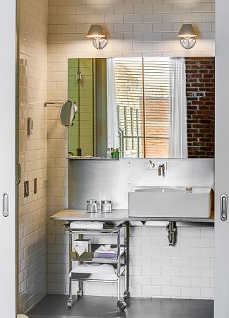 Hôtel Gault - Loft Corner - Salle de bain - Picture of Hotel Gault ...