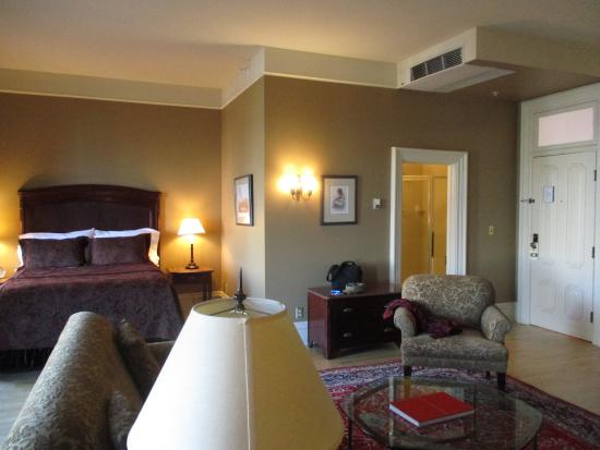 Fort Benton, MT: Large and beautiful room