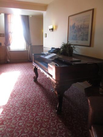 Fort Benton, MT: Upper lobby outside room
