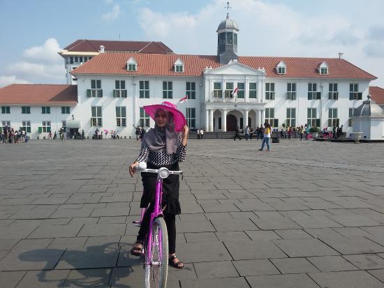 main sepeda di kota tua picture of jakarta old town jakarta rh tripadvisor ca