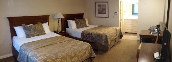 Days Inn San Diego Hotel Circle Near SeaWorld: 20160315_113959_Pano_large.jpg