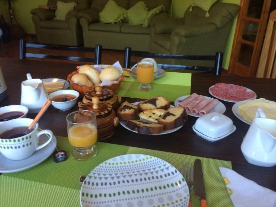 Hostal Chorrillos: El hostal es sencillo pero muy acogedor. Por fin una ducha caliente con presión!! El desayuno mu
