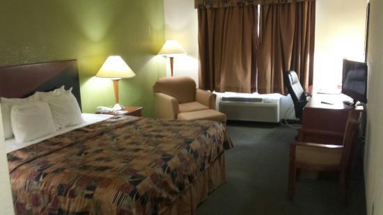 Sleep Inn & Suites: 20160312_173515_large.jpg