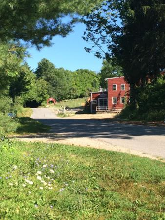 Sturbridge, MA: getlstd_property_photo