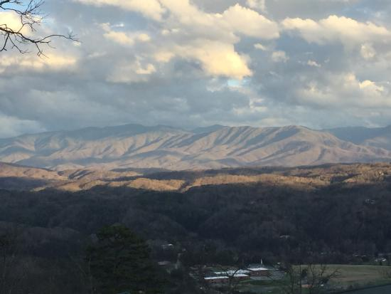 ‪‪Sevier County‬, ‪Tennessee‬: View from second level deck‬