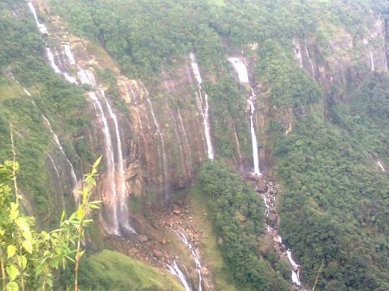 Hotel Tibet Gallery: The seven sisters falls Cherrapunjee