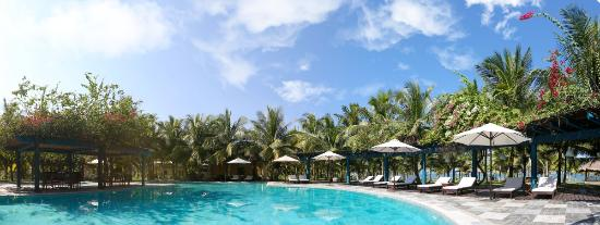 le belhamy resort & spa: belhamy beach pool