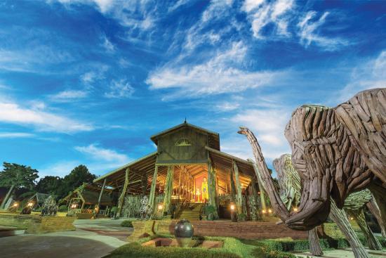 Nakhon Chai Si, Thailand: Woodland Village