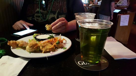 McKeown's : St. Patrick's day. Nice bartender and tasty food.