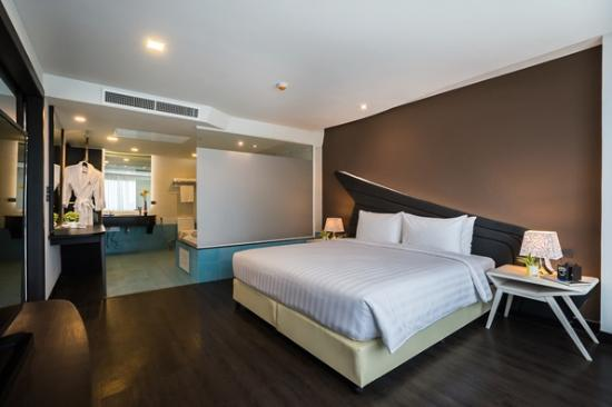 Blue boat design hotel pattaya thailand omd men och for Design hotel pattaya