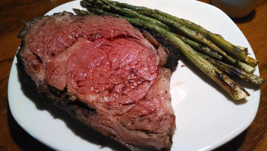 Outback Steakhouse: Prime rib with asparagus.