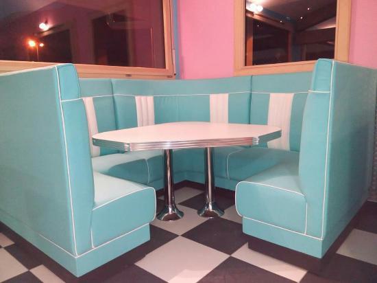 Verchaix, Francia: Lhotti's Diner