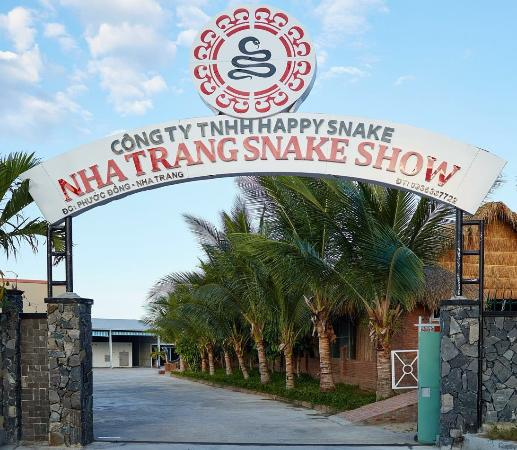 Kết quả hình ảnh cho Nha Trang Snake Farm