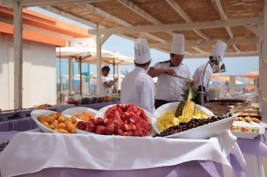 Hotel Miami Beach: Pranzo a buffet in spiaggia