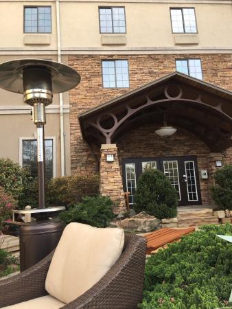 Staybridge Suites Atlanta Buckhead: The Garden
