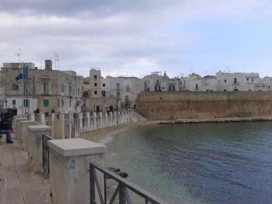 Palazzo Indelli: Monopoli, Cala Portavecchia